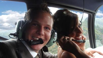 Brautpaar-im-Fluge