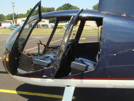 Robinson-Helicopter-R44-0009.JPG