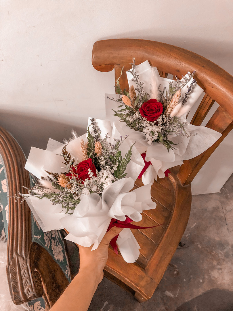 Mini: Red Preserved Roses