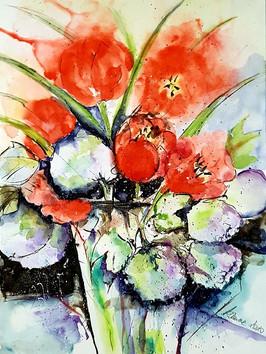 Tulpen mit Schneeball