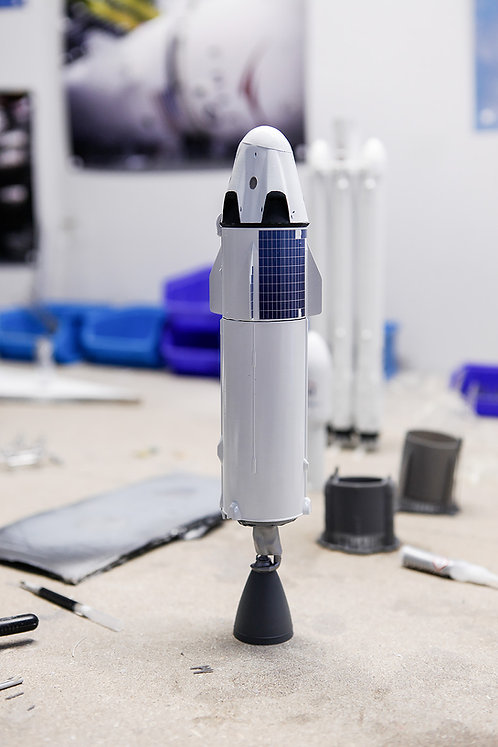 Upper stage with payload 1/72 scale