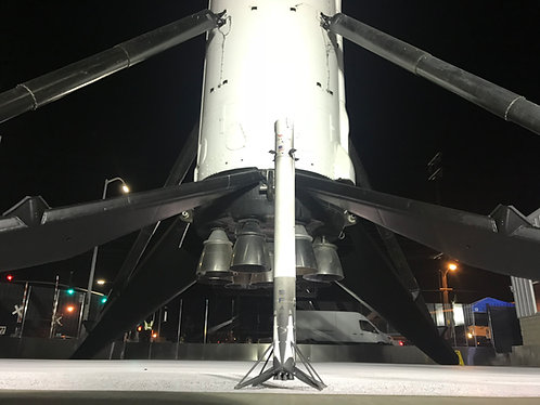 F9 landed booster, 1/144 scale
