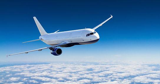 Flugzeug-Wolken-Urlaub-Reisen_image_660.