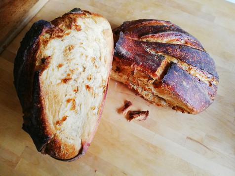 pain au levain cuit à la cocotte.jpg