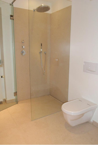 Badezimmer aus Naturstein