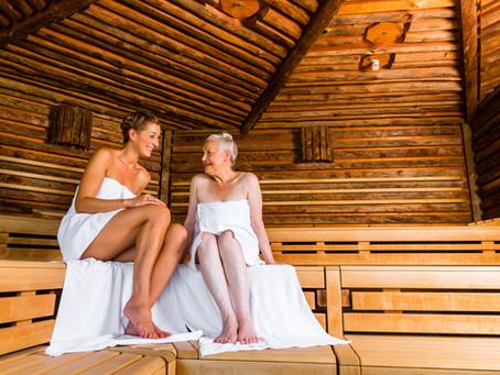 Saunování seniorů aneb Sauna pomáhá vkaždém věku