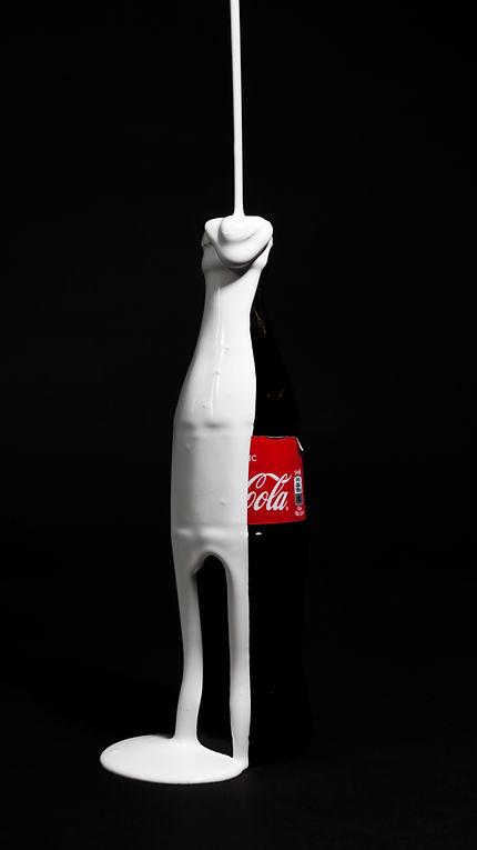 cola_bottle_paint_drip_3-kopi.jpg
