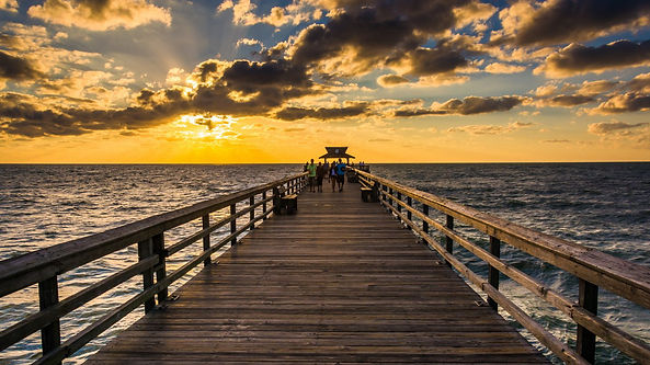 naples-pier-sunset-1440x960  16x9_edited