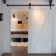 Track-Barn-Door-Hardware-With-White-Carp