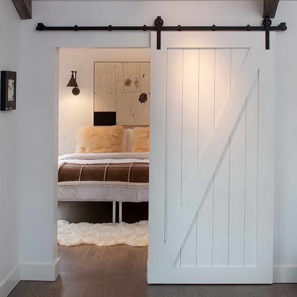 Track-Barn-Door-Hardware-With-White-Carp