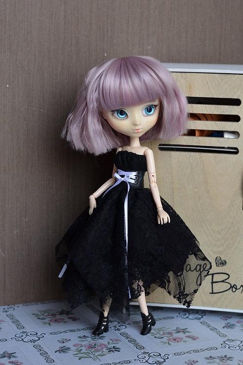 Collection Gothique : Outfit Myga noire en dentelle