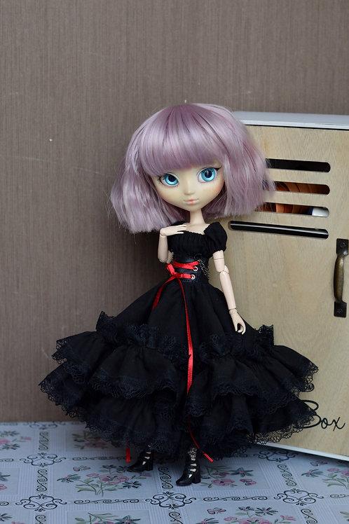Collection gothique: Outfit Eudoxy noire à lacet rouge