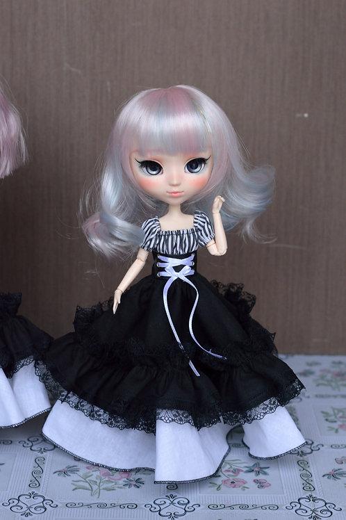 Collection Gothique : Outfit Séraphynn rayée