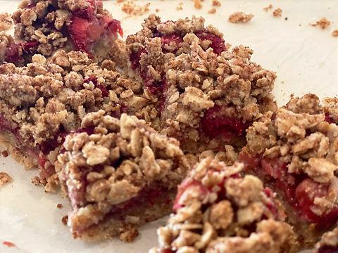 Strawberry%20Oatmeal%20Bars_edited.jpg