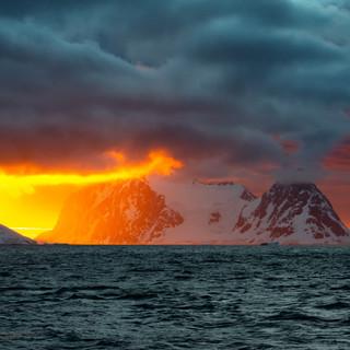 Закат в Проливе Лемэра