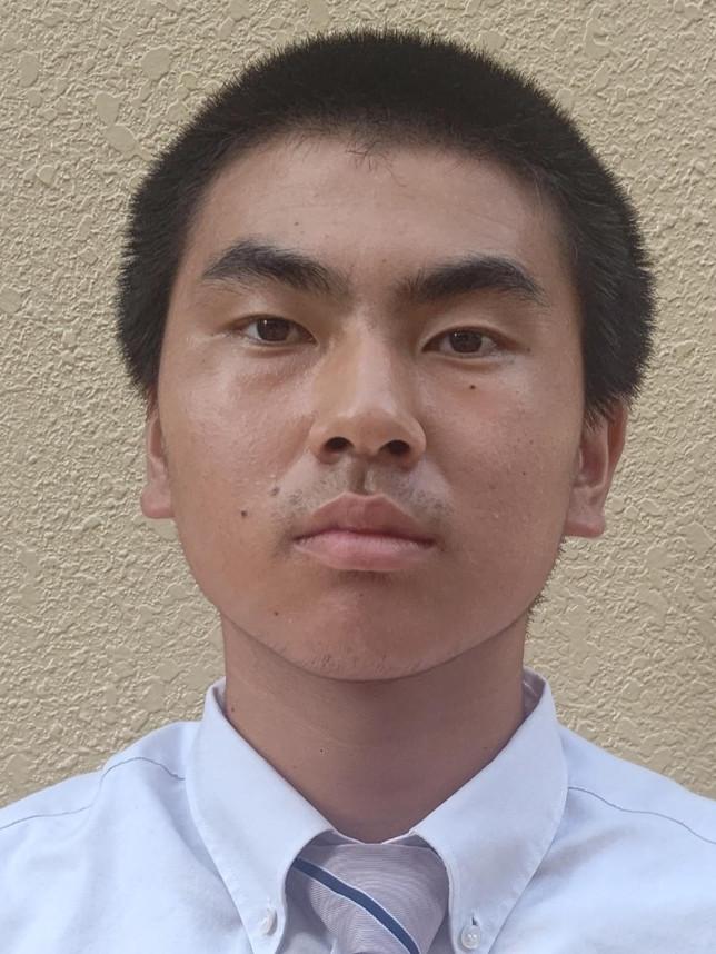 さいとう そうた 齊藤 壮太  2年生  背番号 1  レフトキャッチ  身長171cm  体重 75kg  八戸第二中学校 出身