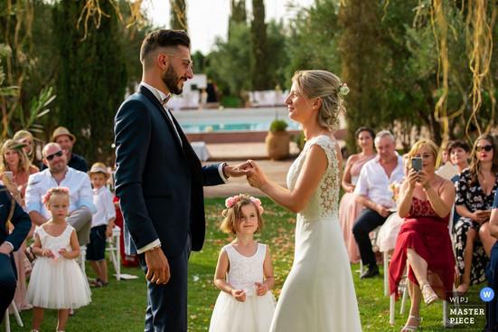 wedding-photographer-2569939_0.jpg