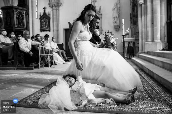 wedding-photographer-2601617.jpg