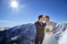 Trash the dress montagne Vosges, séance day after, mariage neige, mariage hiver, photo mariage neige, julien maria, photographe grand est, honeck, la bresse