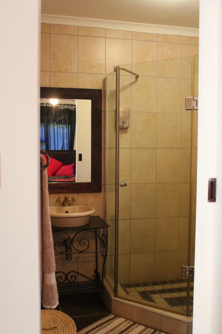 Rusticana Accommodation - Bathroom