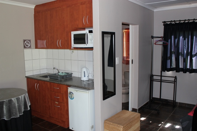 Rusticana Accommodation - Kitchen