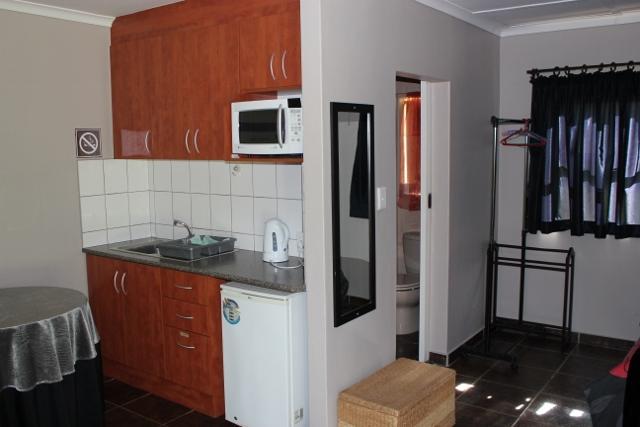 Rusticana Accommodation - Kitchen