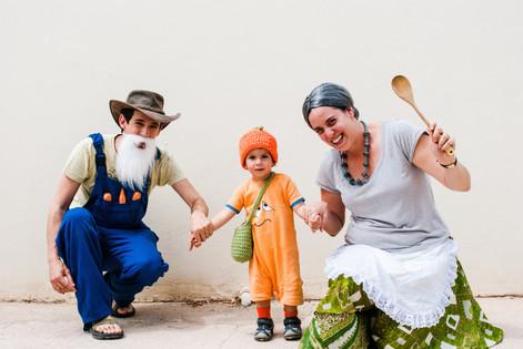 משפחה מחופשת לסיפור אליעזר והגזר