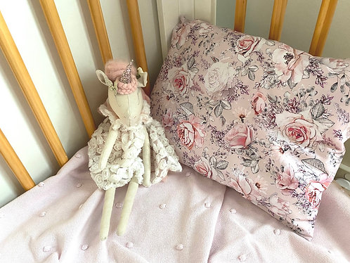 Rose Garden Toddler pillow case with Bib