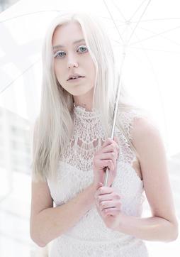 14 - White_Umbrella_web.jpg