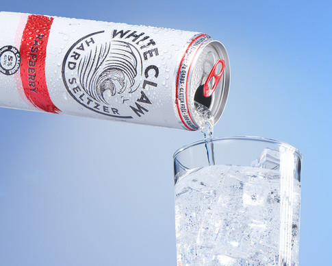 13 - WhiteClaw_Raspberry_Pour_web.jpg