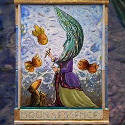MOON'S ESSENCE