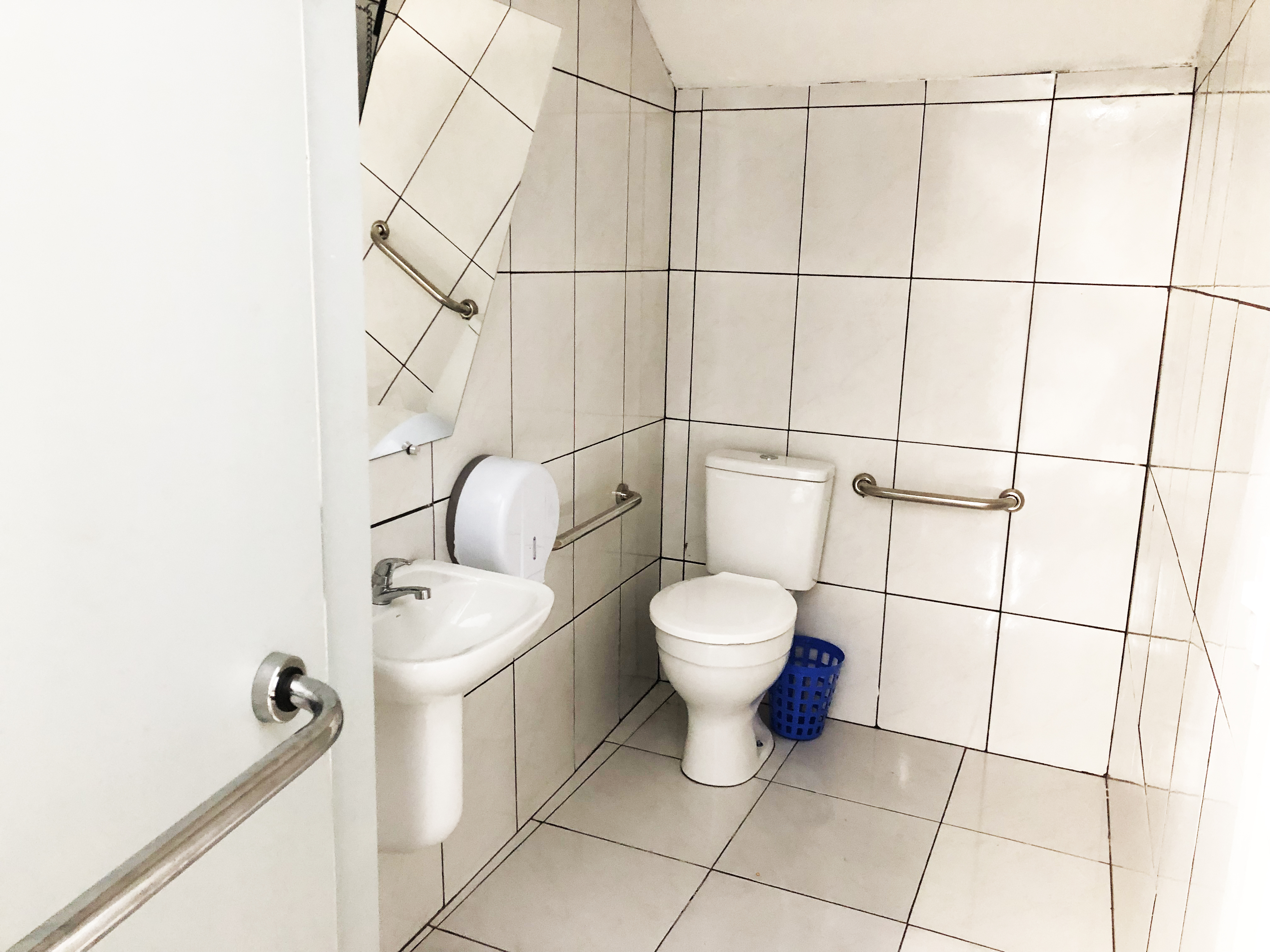 Banheiro com acessibilidade