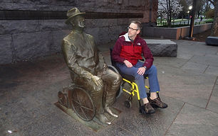dave with FDR statue.JPG