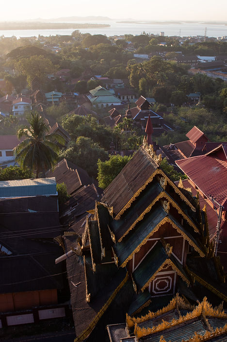 sunset viewover mwlamyaing from the kyaikthanlan pagoda in myanmar. Picture by hungrigaufmeer