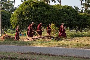 Myanmar photo gallery by Hungrigaufmeer
