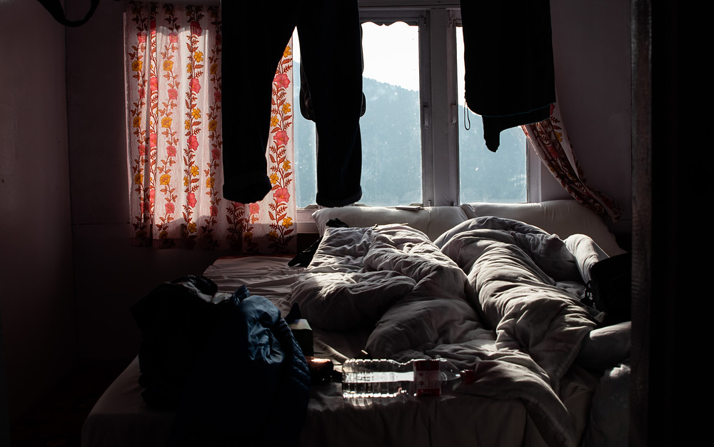 Room in an accomendation in Ulleri, Nepal (by Hungrigaufmeer)