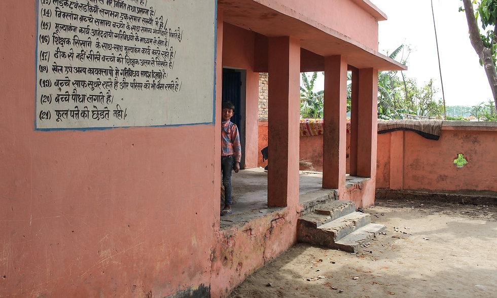 Schulkind in Bihar Indien