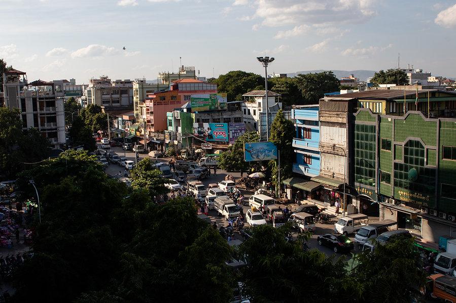 street of mandlay in myamar picture by hugrigaufmeer