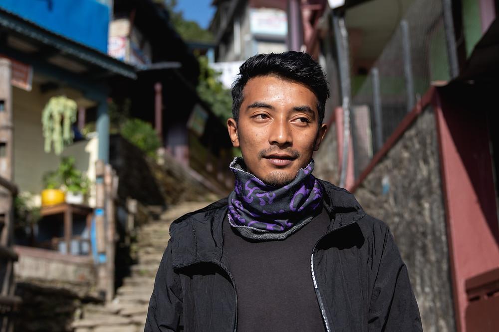 Our great porter Rajen (by HungrigaufMeer)