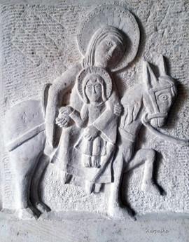 """D'après """"La fuite en egypte"""", chapiteau de la cathédrale d'Autun, époque romane (13ème siècle)."""