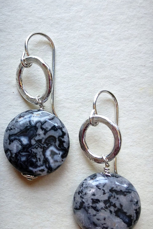 Crazy Lace agate with pure silver hammered hoop