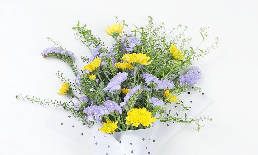 Geel en paars boeket bloemen