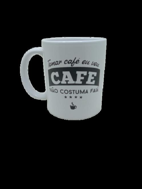 """Caneca Porcelana Personalizada """" Café Não Costuma Faiá """""""