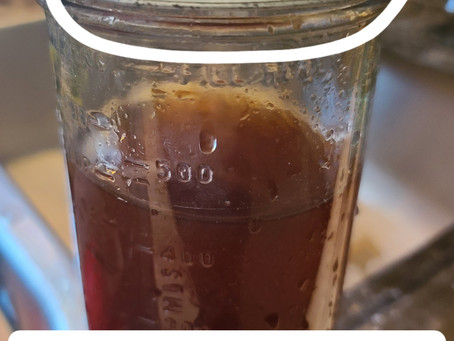 How to get a Rusty and Stuck Screw Lid off of a Ball Mason Canning Jar.