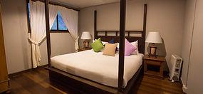 kinabalu-park-peak-lodge-master-bedroom.
