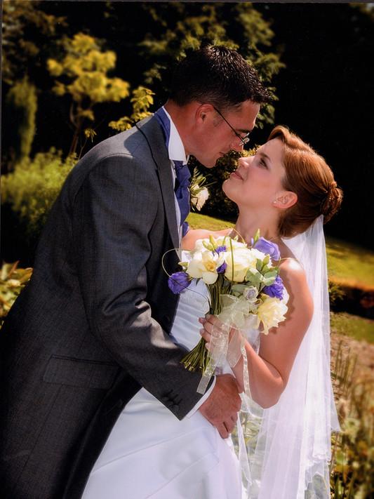 Bride_in_lovej.jpg