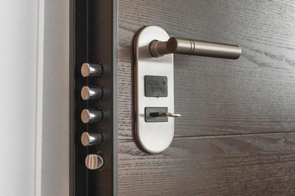 house lock installation