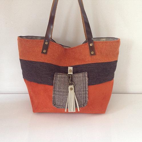 """sac à main porté épaule modèle """"Boudoir"""" Orange, brun et écossais."""