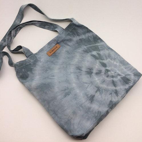 Tote bag coton Shibori teint à la main couleur vert de gris. Ref TBS1