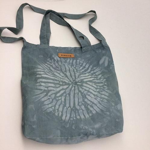 Tote bag coton Shibori teint à la main couleur vert de gris. Ref TBS2